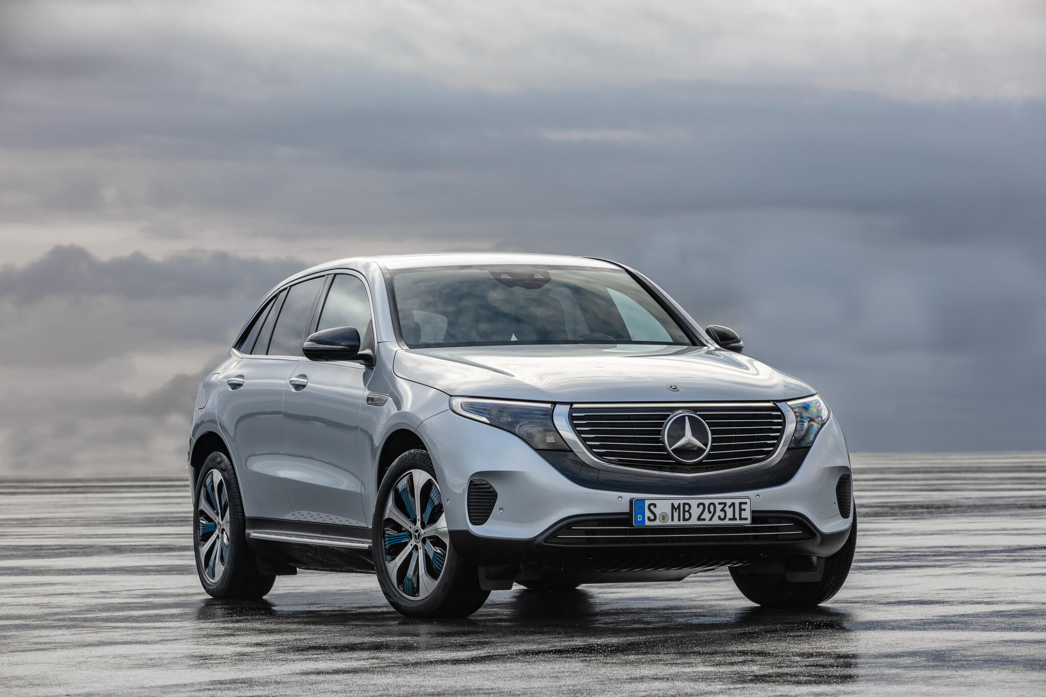 the-tailored-man-mercedes-benz-eqc-global-launch-2019